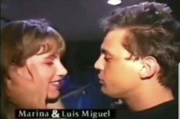 El video viejo de Luis Miguel dándole un beso a la reportera, que después de casi 30 años levantó polémica