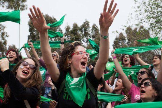 la marea verde vuelve a la calle con panuelazos en toda la provincia para pedir por el aborto legal