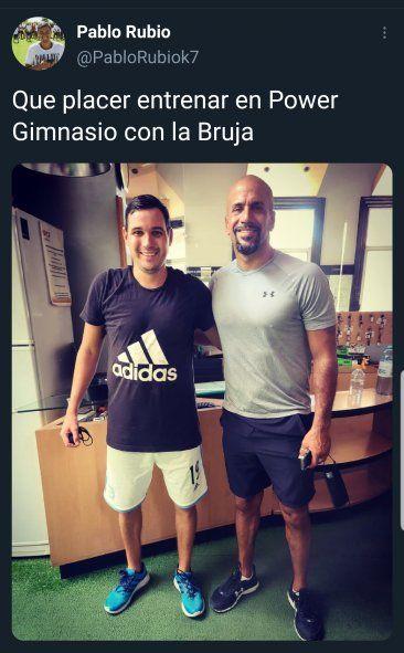 Los habitantes de Rosario se asombran de cruzarse al Presidente de Estudiantes en situaciones cotidianas como ir al gimnasio, y lo publican en sus redes sociales