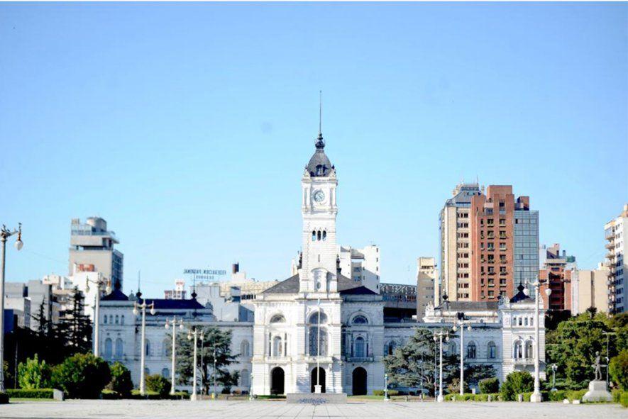 La Plata: Garro acordó un 34% de aumento para municipales