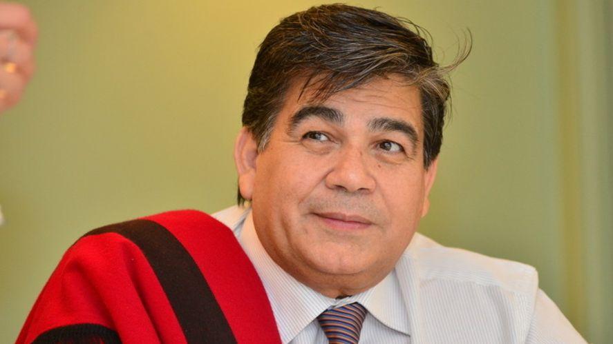 Coronavirus: Mario Ishii continúa internado con pronóstico reservado