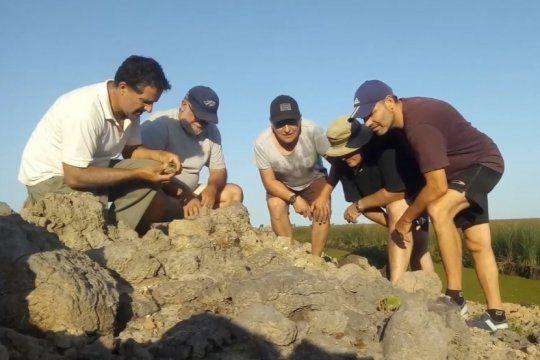 hallazgo historico en san pedro: descubren restos de una playa maritima con mas de 5 mil anos de antigüedad