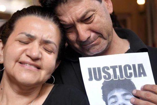 a un mes del crimen de fernando habra marchas y la fiscal imputara como coautores a los ocho rugbiers detenidos