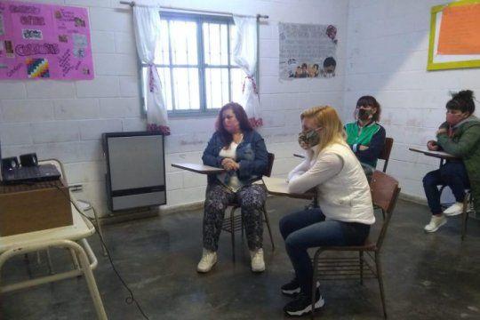 impulsan un taller literario en la carcel de mujeres de batan