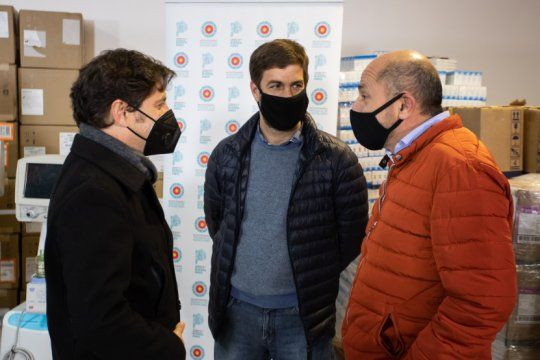 kicillof entrego respiradores a 42 municipios y ya se distribuyeron mil en toda la provincia