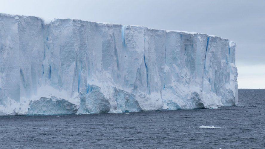 El iceberg más grande del mundo podría chocar con una isla
