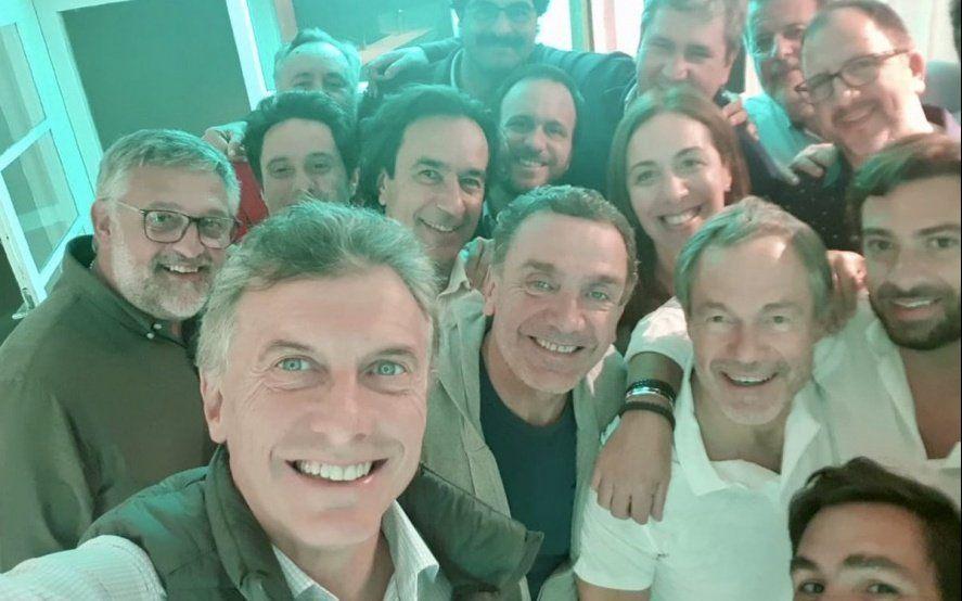 Macri se presentó en el retiro del gabinete de Vidal en medio de rumores de Plan V