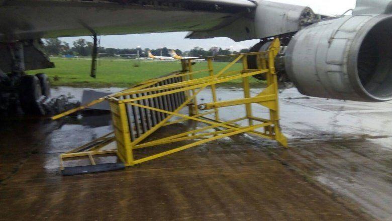 Peligro: la lluvia hizo estragos en el precario aeropuerto de El Palomar y Flybondi canceló vuelos