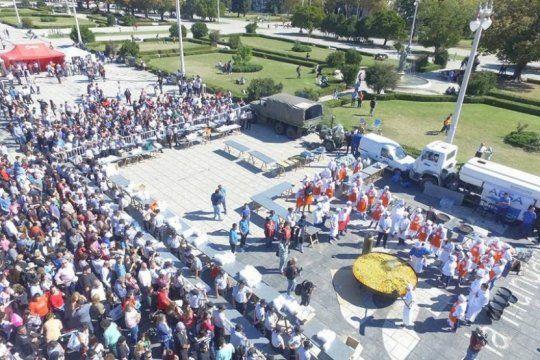 la plata: a beneficio del hospital san martin, el municipio organiza un gran locro solidario