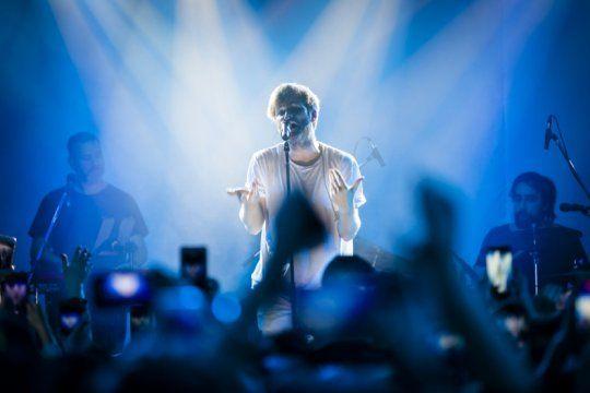 benjamin amadeo regresa a la plata: ?me doy cuenta que a mis conciertos la gente viene a cantar?