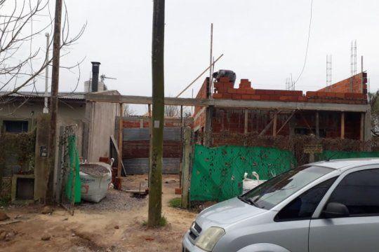 El poste de Movistar está instalado en 28 entre 425 y 453, en City Bell, La Plata