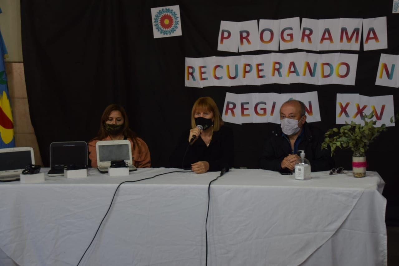 """En Olavarría, presentaron el Programa """"Recuperando Net"""" para reparan notebooks del """"Conectar Igualdad"""""""