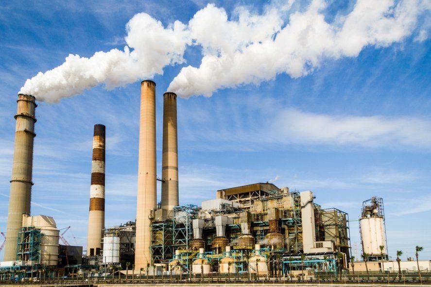 Indec: la actividad de la industria en febrero bajó con respecto a enero