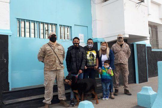 Después de 6 años de servicio, la perra Antonella vivirá con una familia