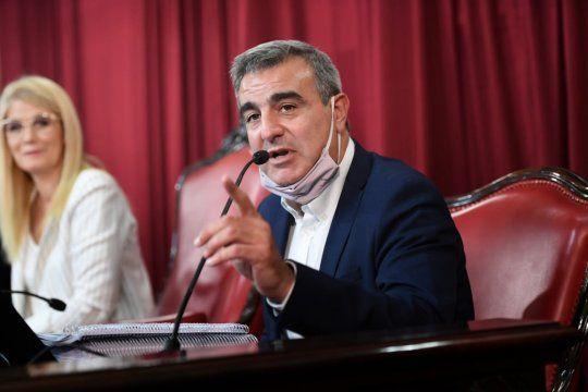 los de afuera, de palo: senador bonaerense cruzo a manes por opinar sobre la interna