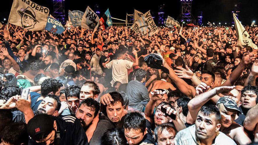 Imágenes del trágico recital del Indio Solari en Olavarría