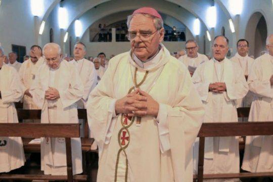la iglesia busca el equilibrio al aclarar que ?no es un partido politico, ni del gobierno ni de la oposicion?