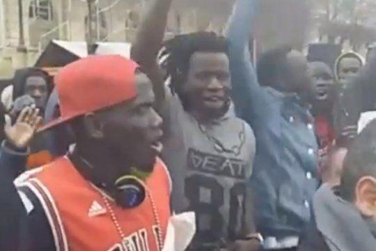 mira la version africana de la marcha peronista que cantaron los manteros en la plata
