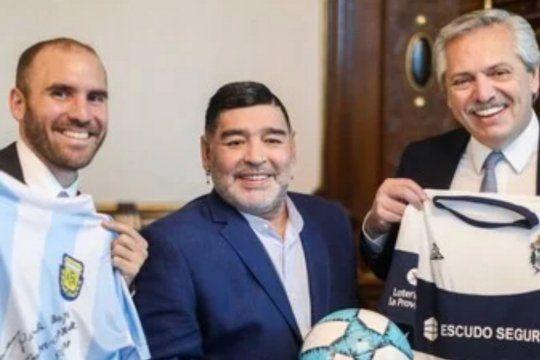 Por su fanatismo con el Lobo, el matutino Clarín contó como lo alientan al Ministro Guzmán frente a sus logros económicos.