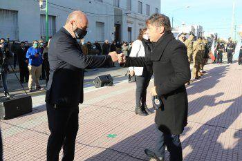 El intendente de Ensenada, Mario Secco, junto a Axel Kicillof