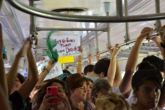 por el dia internacional de la mujer, se podra viajar gratis en tren este domingo