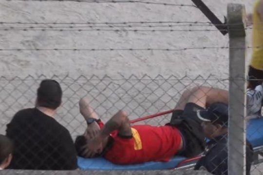 pinas, lesiones, bombas de estruendo y un jugador detenido en el clasico de pinamar