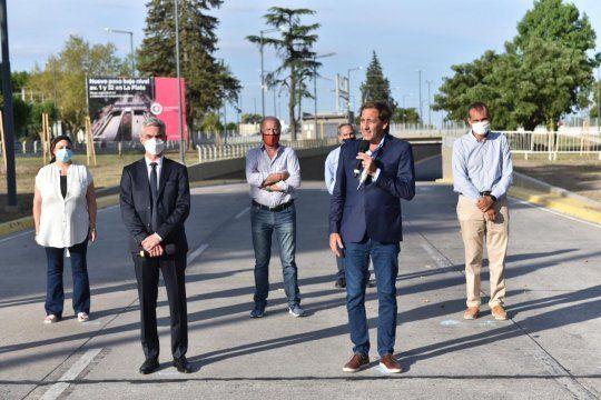 Julio Garro, Mario Meoni y otras autoridades inauguraron el paso bajo nivel de La Plata.