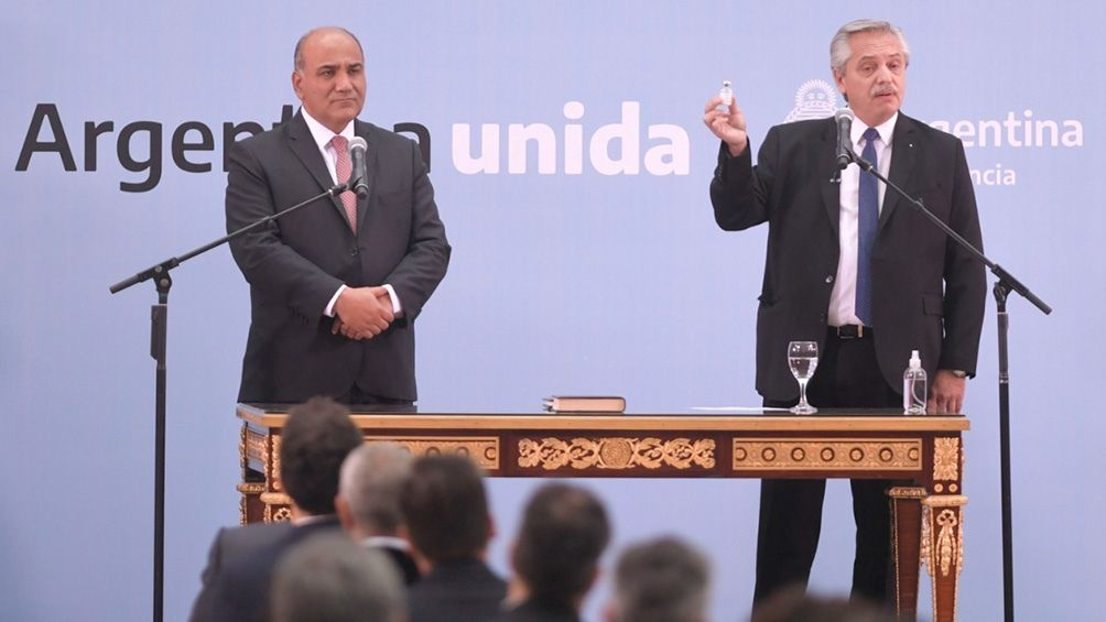 Alberto Fernández oficializó a sus nuevos ministros
