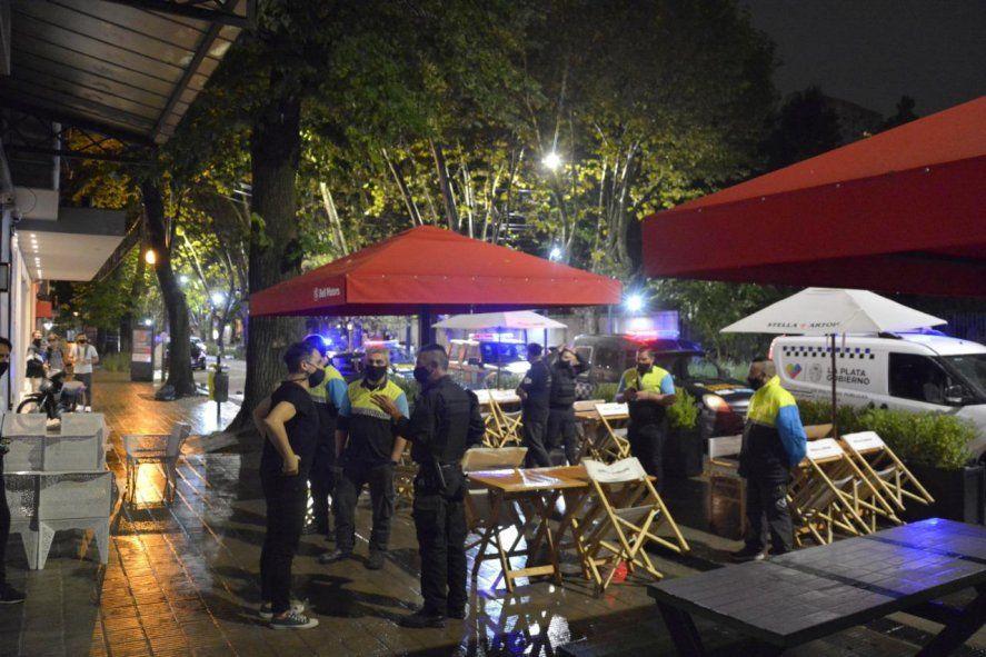 La Plata: clausuran fiestas clandestinas y comercios