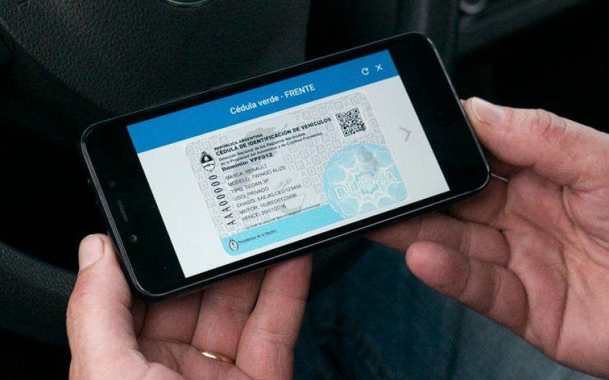 Cómo funciona la aplicación que te permite tener todos los documentos del auto en el celular