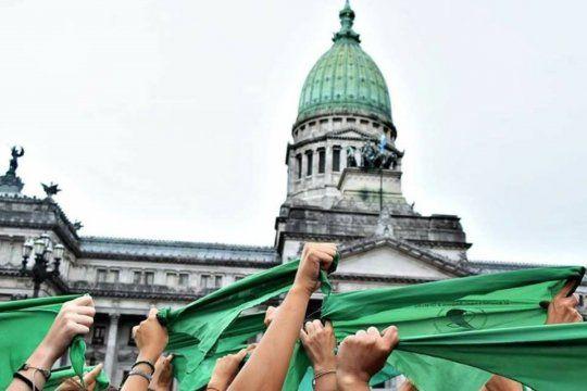 Diputados trata la legalización del aborto