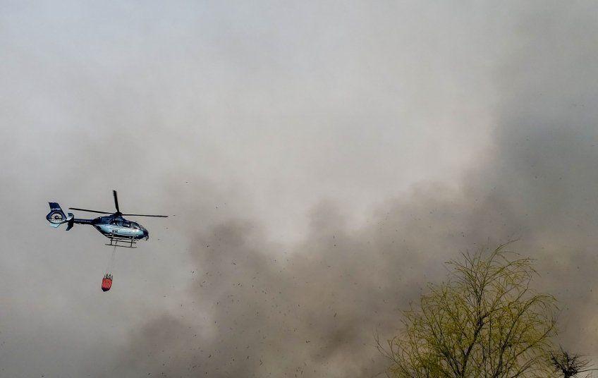 Un avión de la Policía Federal llegó para colaborar en el incendio de Berazategui (Foto: Gobierno de Berazategui)