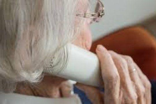 estafan a una medica de 90 anos con un cuento del tio