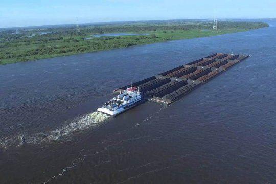 La hidrovía está. Un organismo vivo como es el río, si no tiene mantenimiento no puede ser navegable, argumentó Giuliano.