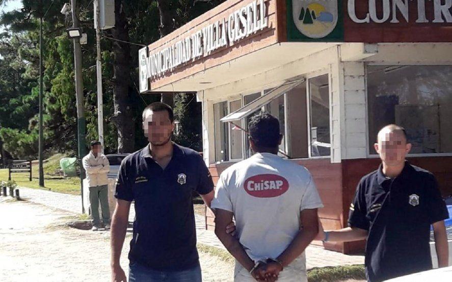"""Villa Gesell: detuvieron a """"Baracu"""", un estafador inmobiliario acusado de abuso sexual agravado"""