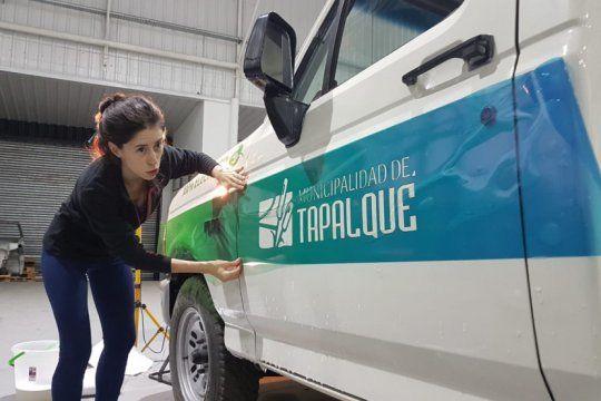 presentan en tapalque una camioneta ecologica desarrollada con el aporte de ingenieros de la unlp