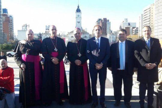 miralo en vivo: asuncion del nuevo arzobispo de la plata, monsenor victor manuel fernandez