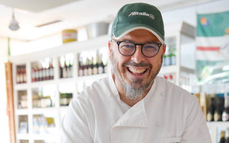 """Donato De Santis, la historia de la pizza y su opinión sobre la """"versión"""" argentina"""