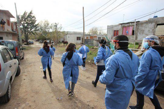 El gobierno lanzó el Plan de Viviendas en Villa Azul, el barrio aislado en mayo