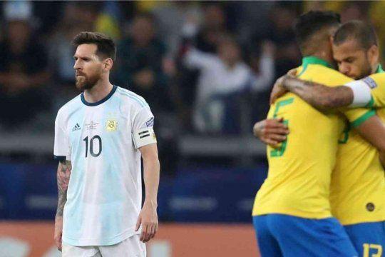 La Copa América vuelve a Brasil y vuelve a Bolsonaro, que ya se cruzó con Messi.