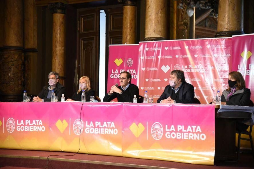 La Plata: Garro anunció medidas para Pymes y comercios