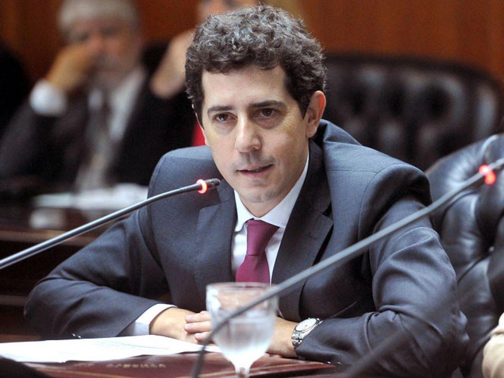 el gobierno regularizara a mas de 6.800 menores venezolanos