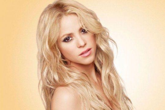 shakira ya esta en nuestro pais: para vos, ¿cual es el mejor look de la cantante colombiana?