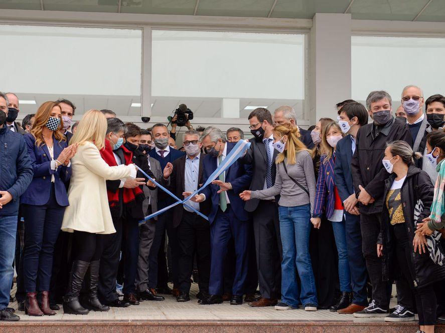 Verónica Magario en el acto de inauguración de la nueva sede de la Universidad Nacional de José C. Paz