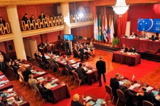 ¿chau parlasur?: posturas a favor y en contra de la iniciativa de macri de eliminar la eleccion de representantes