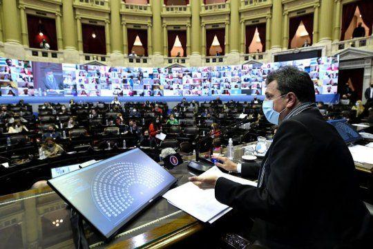 Massa impulsa en el Congreso la modificación del impuesto a las ganancias.