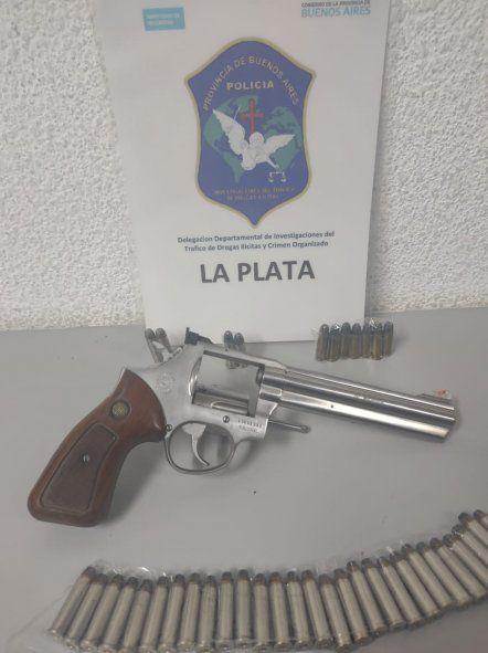 Ensenada: un hombre cayó con un revólver Magnum 357 en un búnker