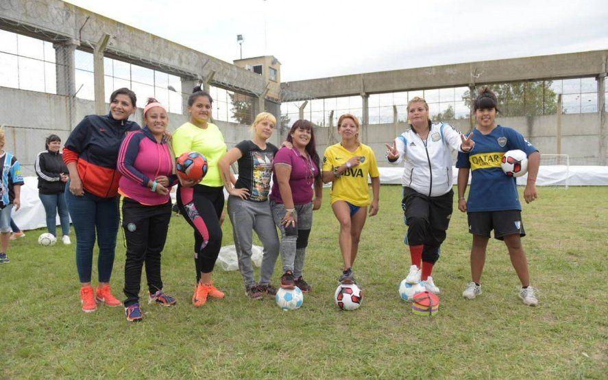 """""""Las Guerreras"""", el equipo de fútbol de mujeres presas que quiere jugar contra Boca"""