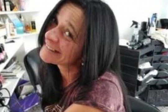 hallan asesinada a balazos en la espalda a una mujer dentro de un auto