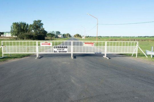 intendentes desafiaron la advertencia de la provincia y mantuvieron las barricadas en los accesos